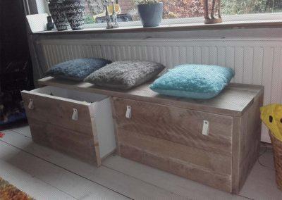 Bankje met lades van steigerhout